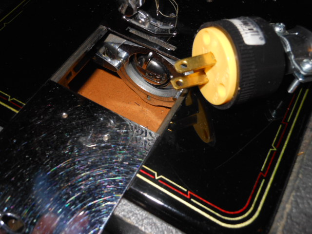 Name:  cleaning a bobbin area 002.JPG