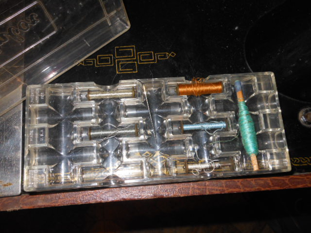 Name:  old long bobbin sewing machine 005.JPG Views: 278 Size:  127.4 KB