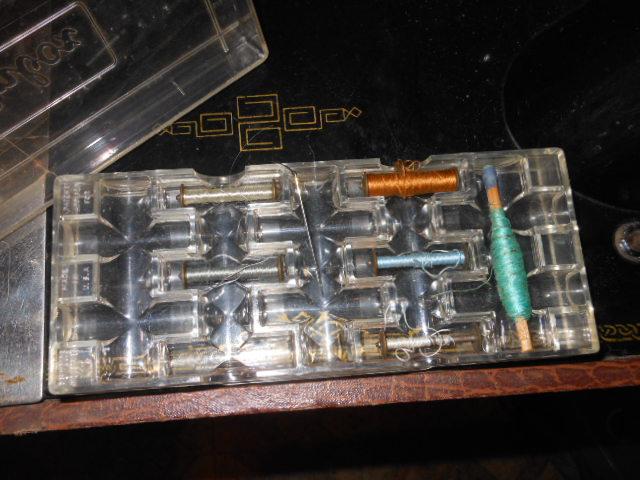 Name:  old long bobbin sewing machine 005.JPG Views: 327 Size:  127.4 KB