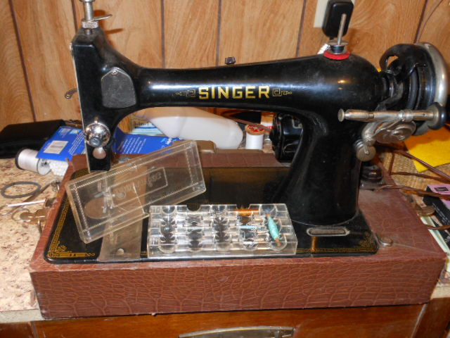 Name:  old long bobbin sewing machine 006.JPG