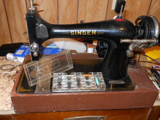 Name:  old long bobbin sewing machine 006.JPG Views: 218 Size:  129.9 KB