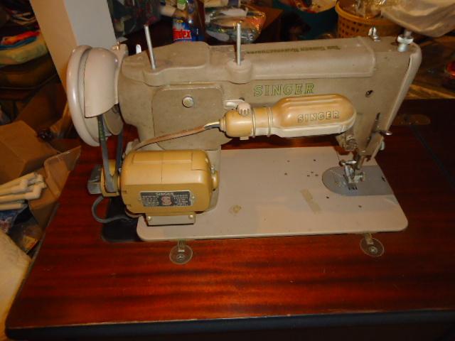 Click image for larger version.  Name:Vintage machine 6.JPG Views:426 Size:109.4 KB ID:360616