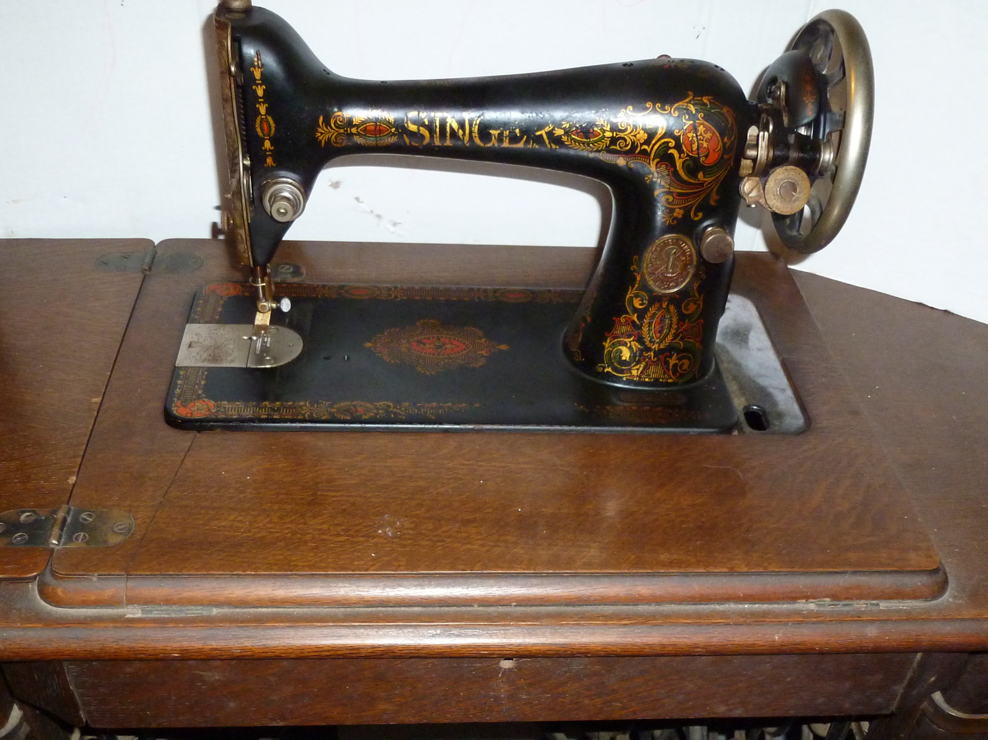 Name:  sewing machines 005.JPG