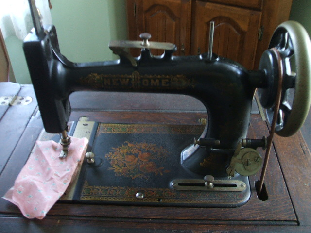Name:  sewing machines 011.JPG