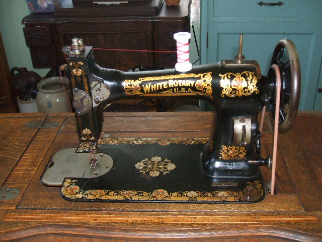 Antique white rotary sewing machine best 2000 antique for Decor 99 sewing machine