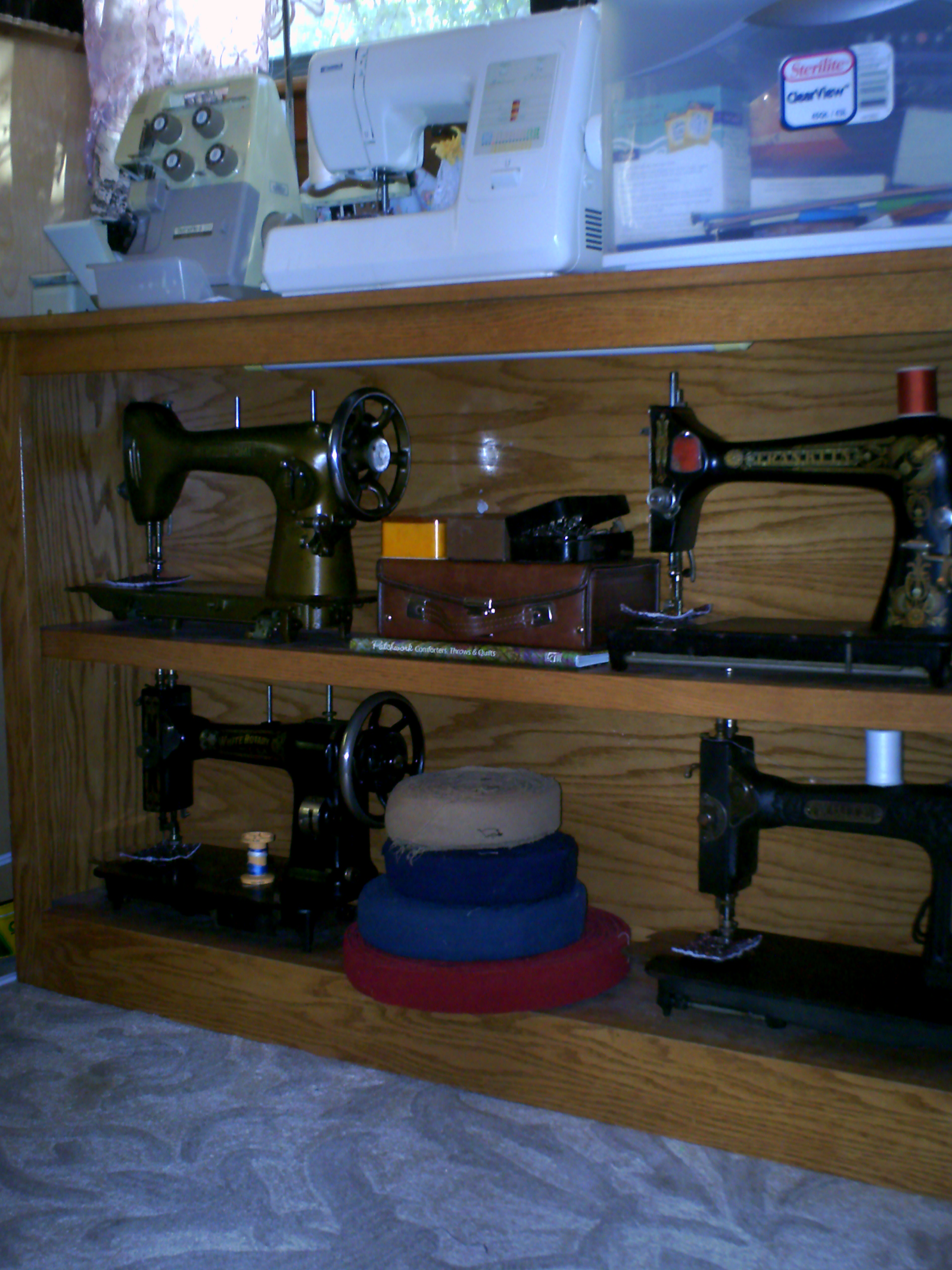 Name:  sewing machines 007.JPG