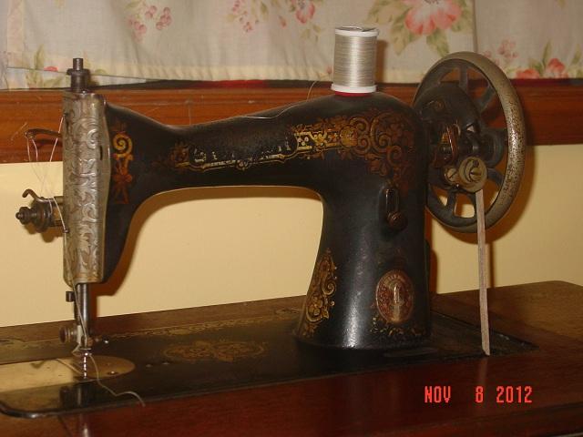 Name:  treadle machine 005.JPG Views: 768 Size:  103.7 KB