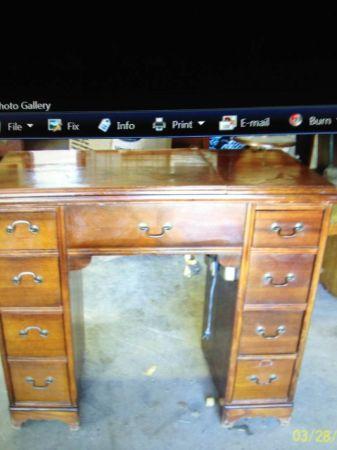 Name:  Craiglist sewing machine cabinet.jpg Views: 880 Size:  23.0 KB