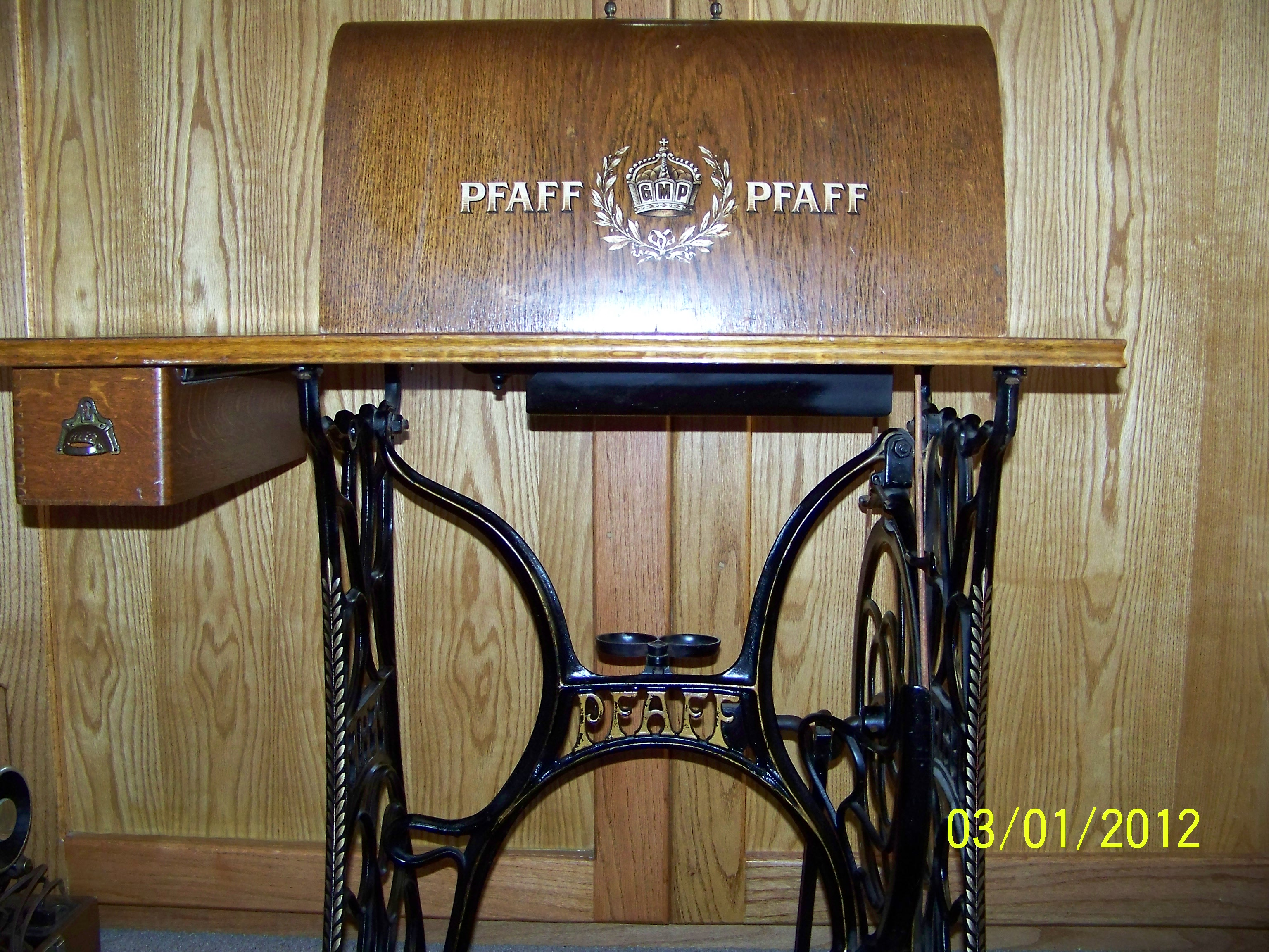 Name:  Pfaff treadle and top.JPG