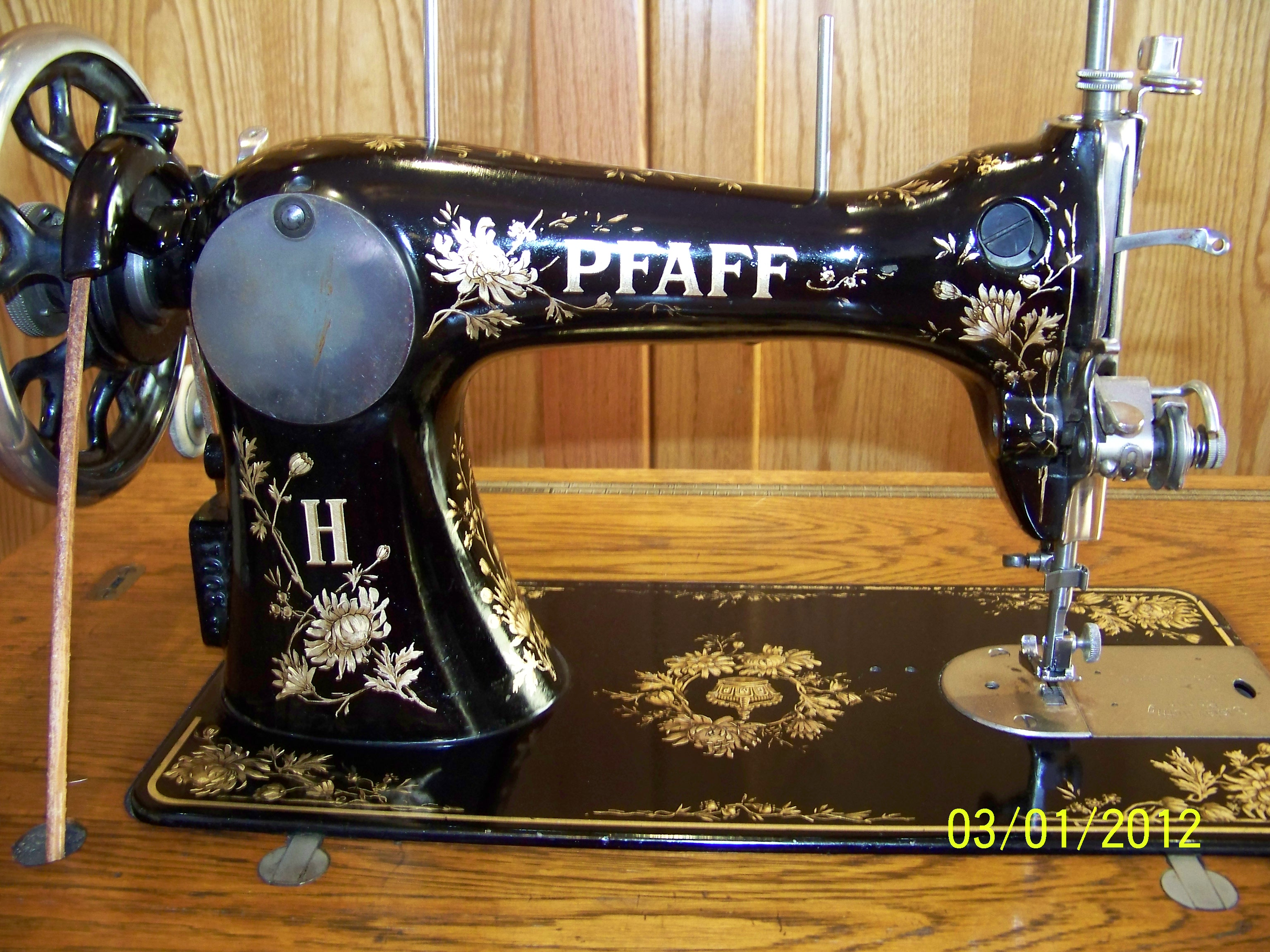 Name:  Pfaff closeup back.JPG