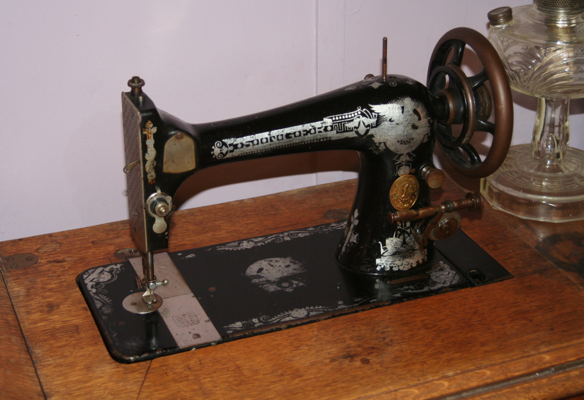 Name:  singer treadle 2.jpg