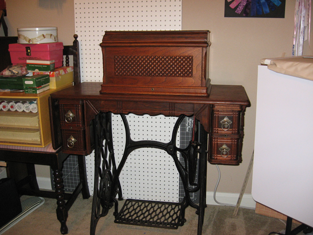 Name:  1891 Singer VS 2 coffin top treadle.png