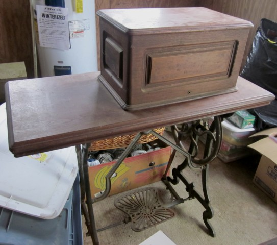 Name:  1852 Grover and Baker treadle.jpg Views: 637 Size:  70.0 KB