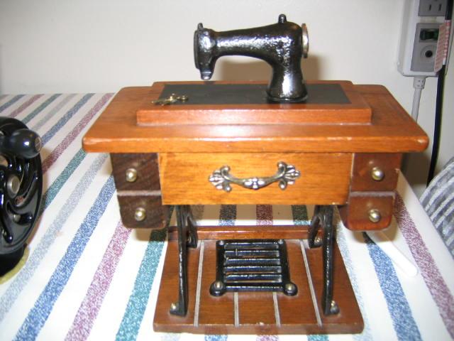 Name:  miniature toy machine 005.JPG Views: 380 Size:  69.4 KB