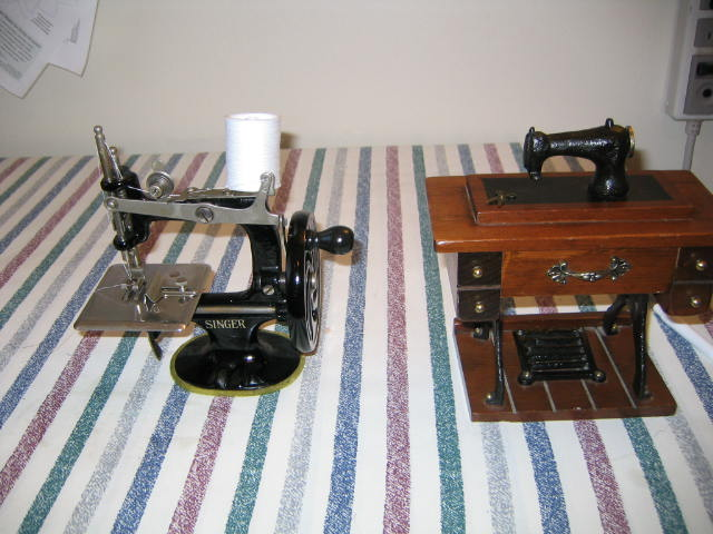 Name:  miniature toy machine 006.JPG Views: 356 Size:  68.9 KB