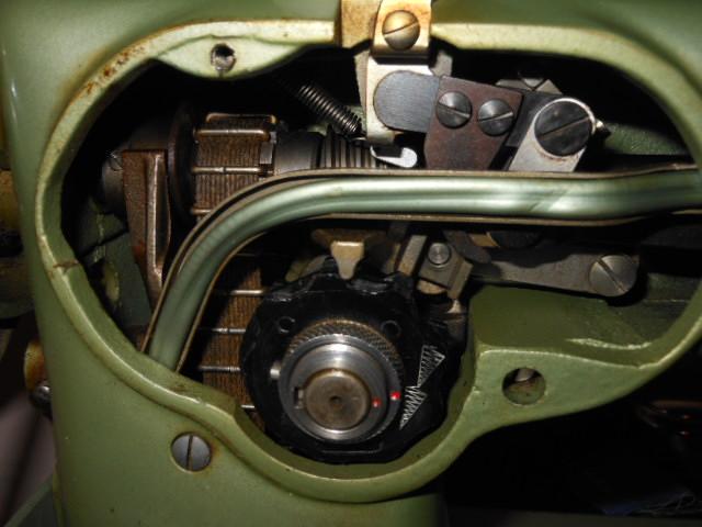 Name:  phoenix sewing machine 014.JPG Views: 583 Size:  130.9 KB