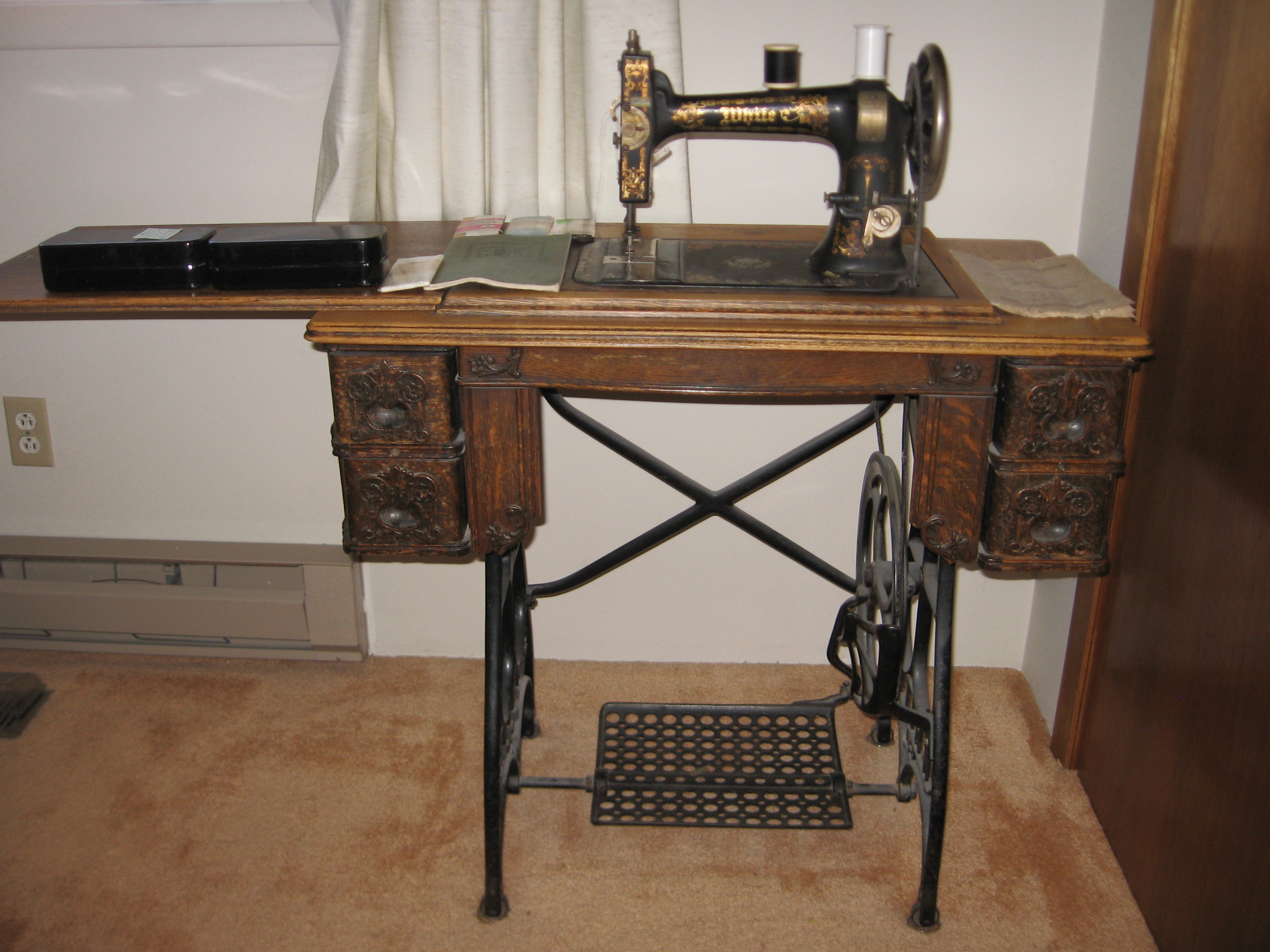 Antique Singer Sewing Machine Value - LoveToKnow Singer sewing machine value by serial number
