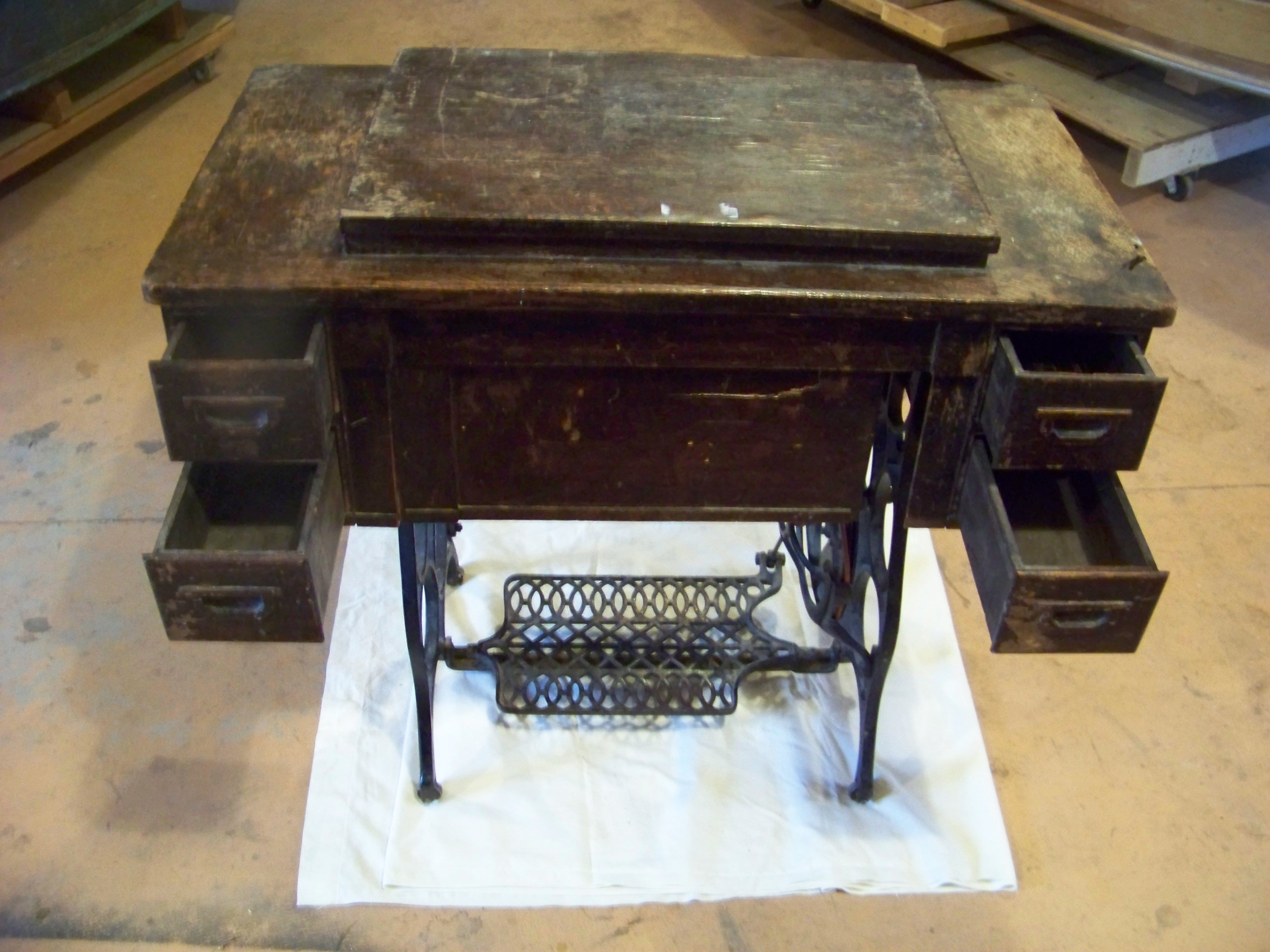 Name:  National Sewing Machine 020.JPG Views: 677 Size:  1.01 MB