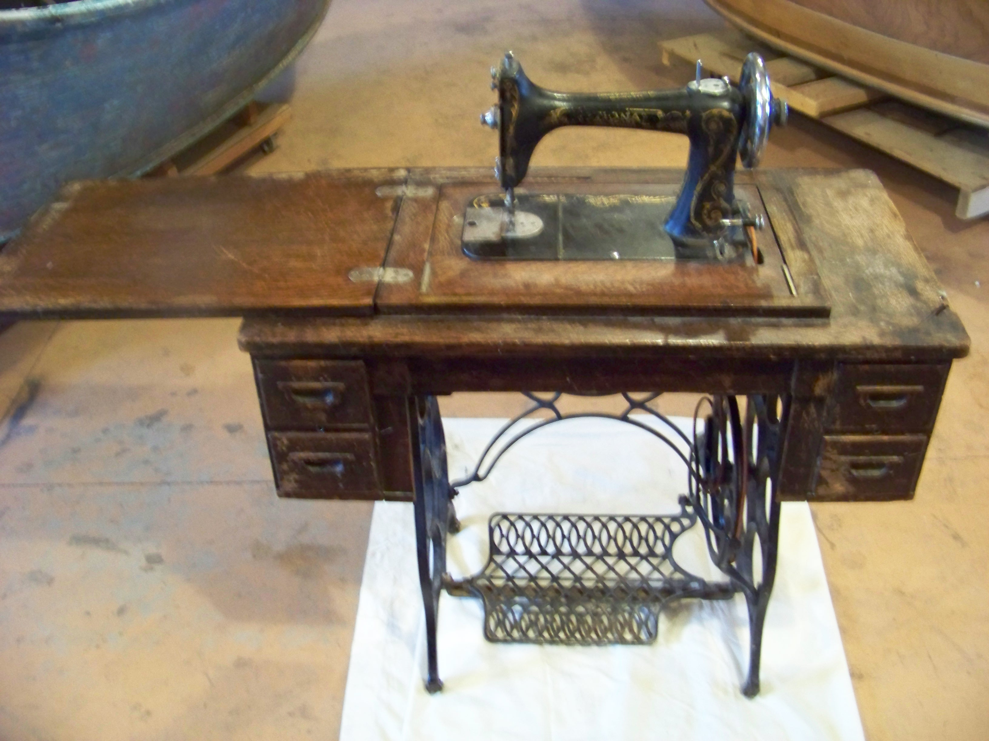Name:  National Sewing Machine 023.JPG Views: 571 Size:  1.02 MB