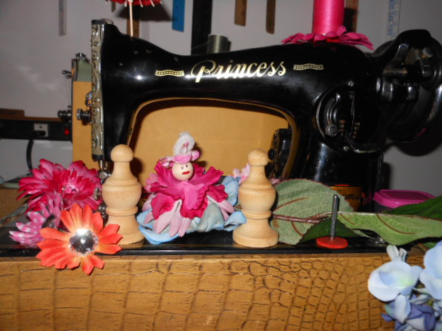 Name:  when fairies camp in the sewing machine shop 032.JPG