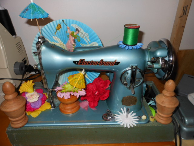 Name:  when fairies camp in the sewing machine shop 029.JPG