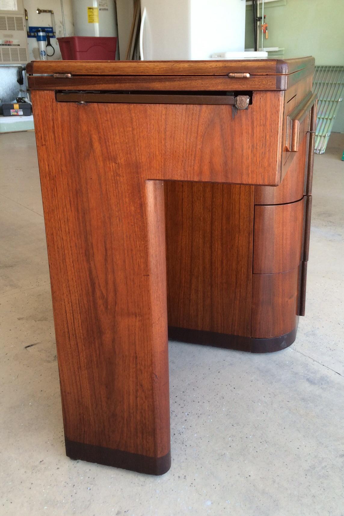 Singer Cabinet #42