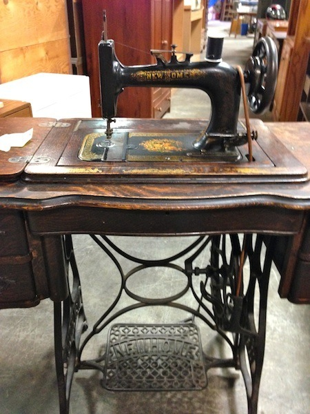 Name:  vintage sewing machine 5.jpg
