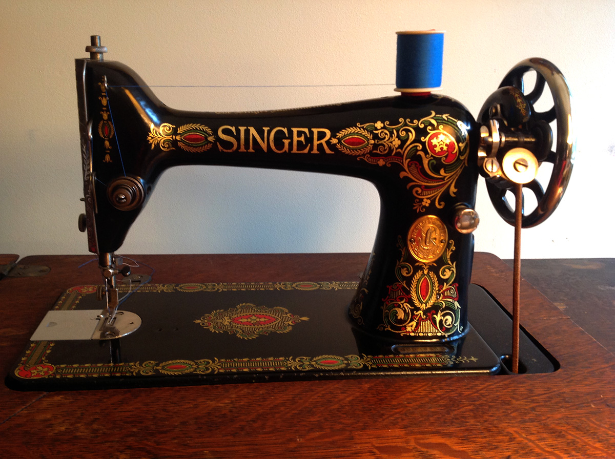 singer red eye Vintage