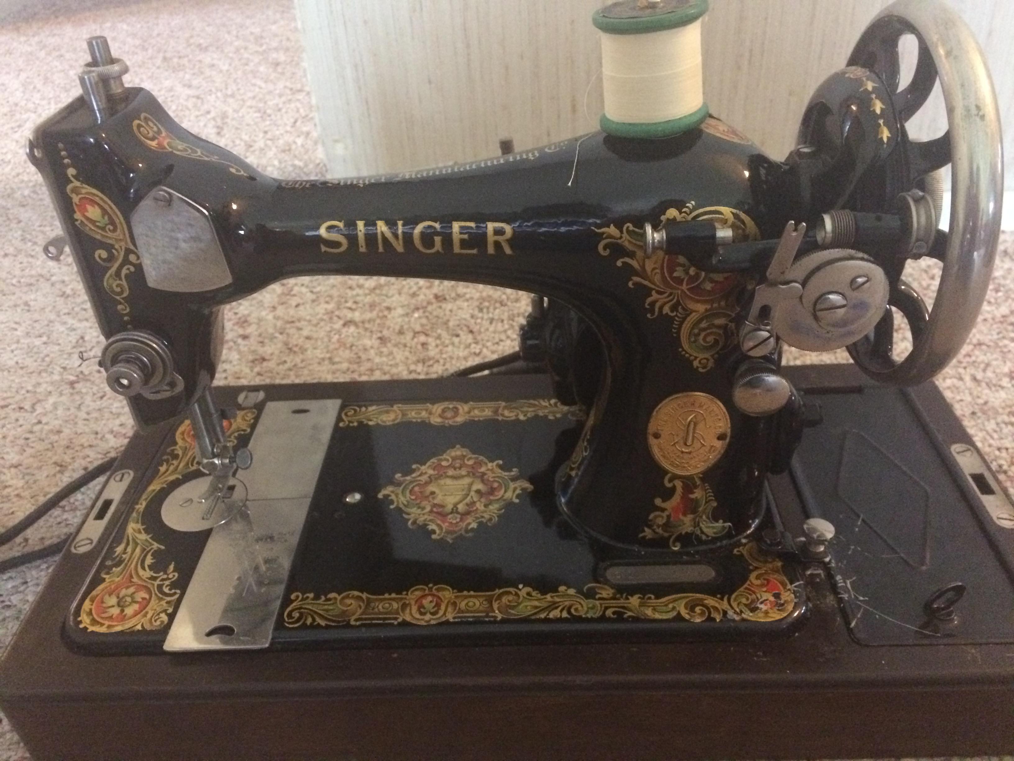 Please help me identify a singer machine - Quiltingboard