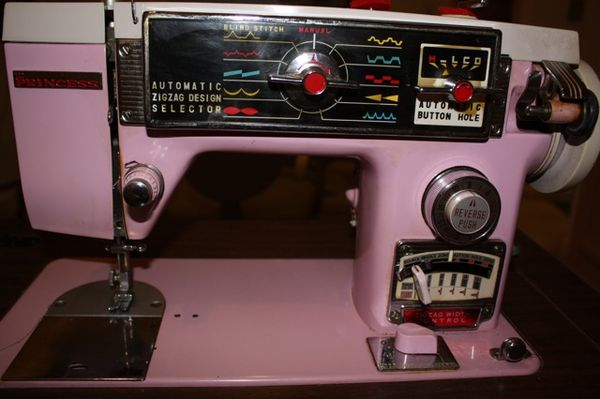 My New Old Vintage Pink Sewing Machine For 20